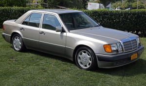 800px-1992_Mercedes-Benz_500E_(W124.036),_front_right